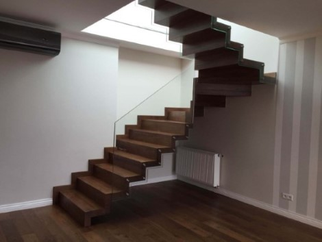 schody 11 c samonośne